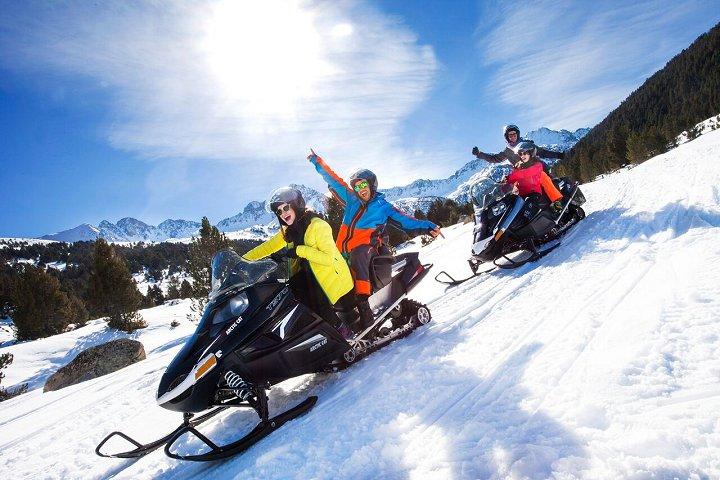 moto neige andorre randonn es et circuit en moto neige en andorre. Black Bedroom Furniture Sets. Home Design Ideas